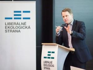 Předsedou Liberálně ekologické strany byl znovu zvolen Martin Bursík