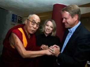 Pro a proti: Je téma porušování lidských práv v Tibetu definitivně ve stínu rozvíjejícího se obchodu s Čínou, nebo lze obě záležitosti skloubit?