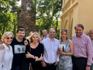 Václav Láska zaslouženě obhájil mandát senátora. Gratulujeme a těšíme se na smysluplnou spolupráci ve prospěch demokracie, právního státu a ochrany životního prostředí. Hodně štěstí v další práci!