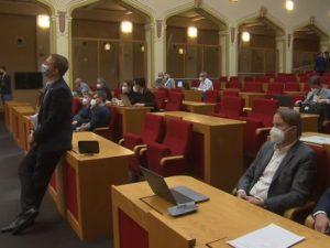 Zastupitelstvo hl. m. Prahy 27. května schválilo Klimatický plán do roku 2030. Dokument připravovala pražská komise pro udržitelnou energetiku a klima pod vedením Martina Bursíka