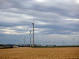 Evropská komise zveřejnila balíček směrnic, které mají zajistit snížení emisí o 55 % do roku 2030 a nulové emise skleníkových plynů do roku 2050
