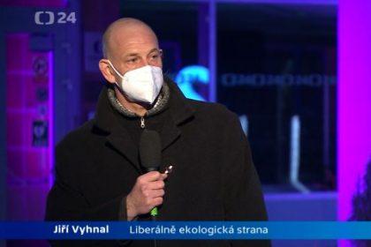 Primář Jiří Vyhnal v pořadu ČT Politické spektrum kritizoval vládu za nezvládnutí koronavirové krize v Česku