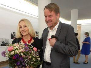 Poslankyně Olga Sommerová hlasovala pro nedůvěru vládě. Vláda nezvládla pandemii a přijala do spolurozhodování komunisty