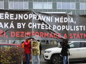Otevřený dopis premiérovi ČR Andreji Babišovi zde dne 17. listopadu 2020 v souvislosti s ohrožením nezávislosti klíčového veřejnoprávního média – České televize