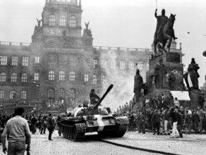 Džamila Stehlíková: Terčem ruských tanků dodnes zůstává svoboda