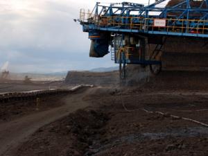 Martin Bursík v Událostech komentářích ČT: prolomení limitů těžby zdevastuje krajinu a zhorší zdraví lidí, bude mít i dopady na životní prostředí