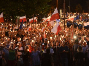 Protesty proti krokům polské vlády